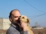 Neamțul care are grijă de câinii fără stăpân din Târgu Jiu. Are un padoc privat în care îngrijește 60 de maidanezi