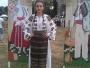 Daniela Frățilescu iubește și promovează lumea satului de odinioară prin muzică și dans popular!